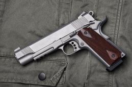 cartridges rifle carbine dark grey background close up 1 3 1 1