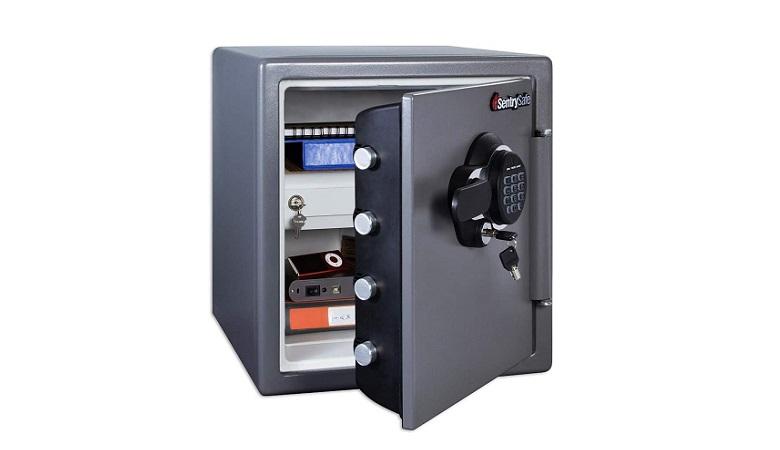 SentrySafe SFW123GDC Fireproof Safe